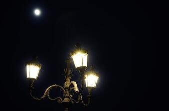 lights-night-romantic-full-moon